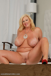 blonde cougar Chubby
