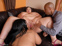 Black guy pounds latina and ebony fatties - Picture 8