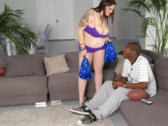 Plump tattooed milf loves black meaty boners - Picture 8