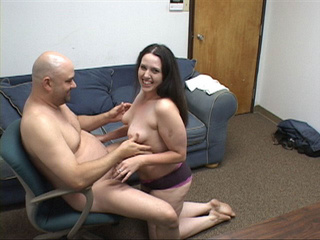 Brunette mom with big ass  gets id penetrated deeply - Picture 1