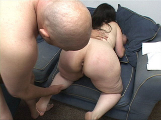 Brunette mom with big ass  gets id penetrated deeply - Picture 2