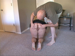 Big-titted blonde fatso blowing bald dude's dick - Picture 1
