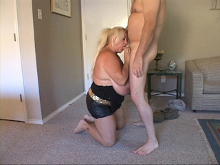 Big-titted blonde fatso blowing bald dude's dick - Picture 3