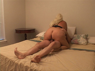 Big-titted blonde mom gets her asshole drilled hard on - Picture 4