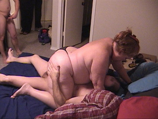 Old ginger slut gets her experienced pooper fucked badly - Picture 2