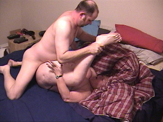 Old ginger slut gets her experienced pooper fucked badly - Picture 3