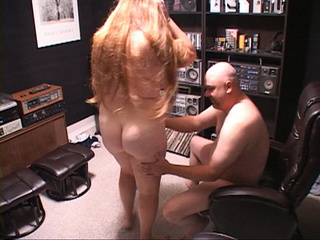 Long-haired fat bitch gets it into her ass from behind - Picture 4