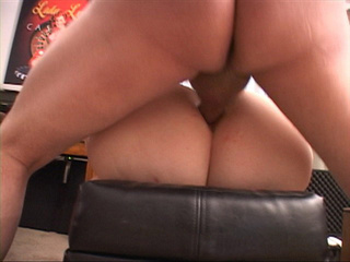Plump chick gets her asshole screwed with a thick dick - Picture 2