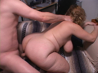 Busty milf jumps on cock - Picture 4