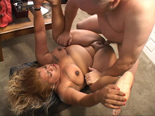 Blonde latina fatty gets it into ass from behind - Picture 4