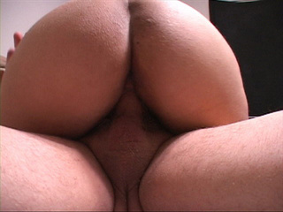 Ponytailed latina BBW - Picture 3