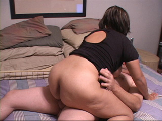 Ponytailed latina BBW - Picture 4