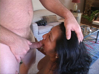 Latina mature sucks - Picture 3
