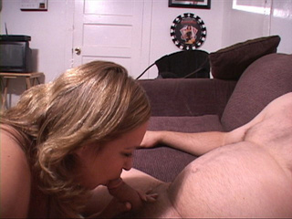 Plump blonde milf giving head - Picture 1