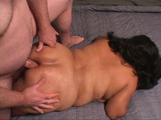 Latina mom gets her fat ass banged - Picture 3