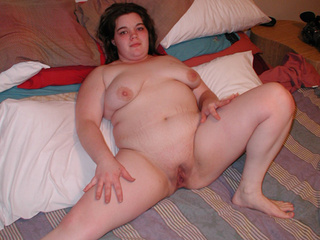 Brunette fatty doggystyled - Picture 2