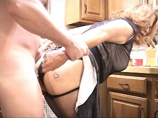 Granny in glasses assfucked - Picture 2