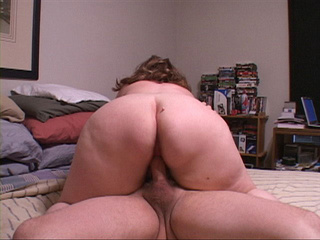 Curly mature loves hardcore anal fucking - Picture 1