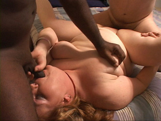 Black and white dudes fuck hard blonde MILF fatty - Picture 1