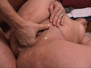 Latina cunt gets fisted - Picture 1