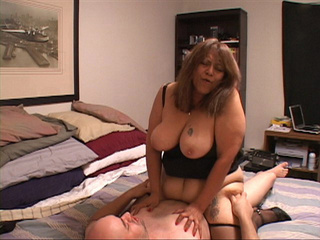 Busty Mexican granny assfucked - Picture 1