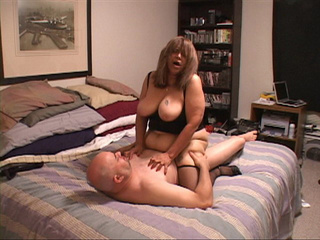 Busty Mexican granny assfucked - Picture 2