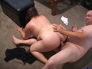 Plump red mom gets ass doggystyled - Picture 1