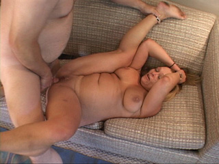 Chubby blonde MILF jumps on a dick - Picture 3