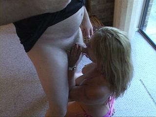 Big tits blondie sucks - Picture 4