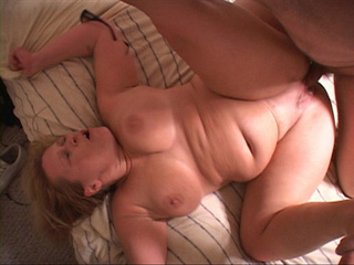 Chubby blonde loves cockriding with her butthole - Picture 4