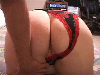 Plump red milf in panties gets her butthole screwed with - Picture 2