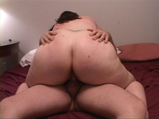 Brunette fatso in glasses with slammed pooper - Picture 2