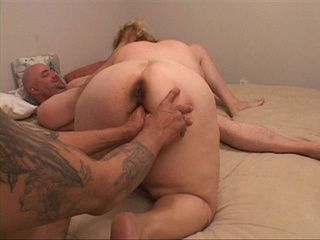 Tattooed dude fingering fatty's butthole before 3some - Picture 3