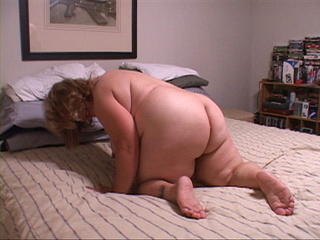 Fat fair bitch assfucked in doggy style - Picture 2