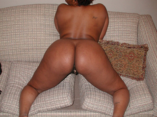 Fat ebony mom in glasses rides cock - Picture 4