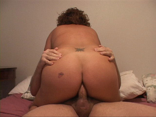 Chubby milf gets her latina butthole rimmed - Picture 4