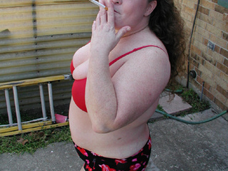 Ponytailed chubby mom smoking before assfucking - Picture 2