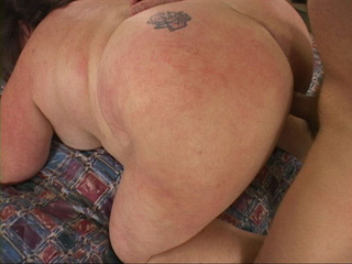 Fat ass mom with tattoo gets it drilled - Picture 2