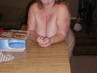 Chubby naked girls exposing their treasures - Picture 4