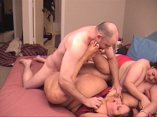 Bald dude fatty-lovers enjoys two plump bodies - Picture 4