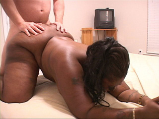 Very hot plump black mamasita sucking cock - Picture 3