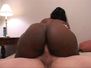Very hot plump black mamasita sucking cock - Picture 4