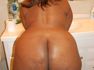 Black BBW assfucked in doggy style - Picture 3