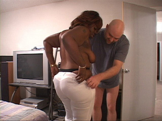 Plump black mom swallows white dick before assbanging - Picture 3