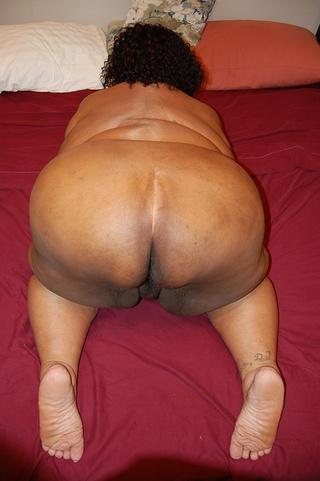 huge black mama stretches