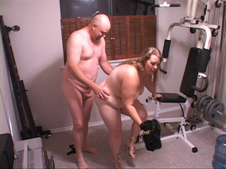Hot fat mom assfucked in gym - Picture 2