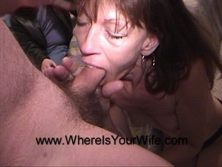 Skinny brunette sucking cock - Picture 2