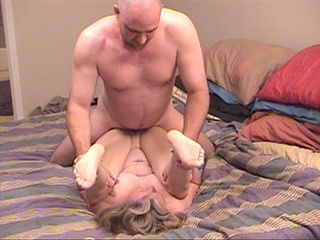 Blonde grandma assfucked with her legs lift up - Picture 3
