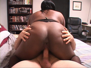 Big-titted ebony mama jumps on white dick - Picture 4