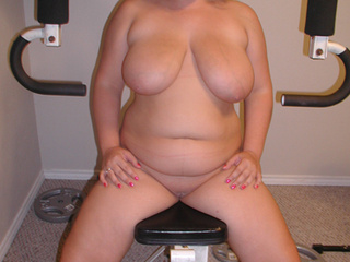 Huge-titted blonde babe exposing her delights - Picture 3